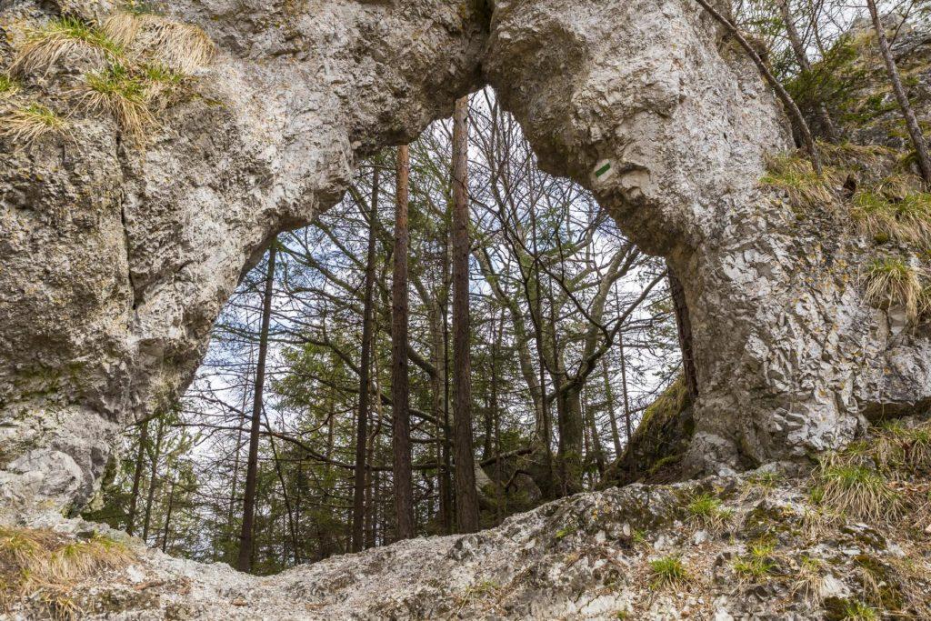 Skalné okno pohorie Branisko fotograf Branislav Bruder.
