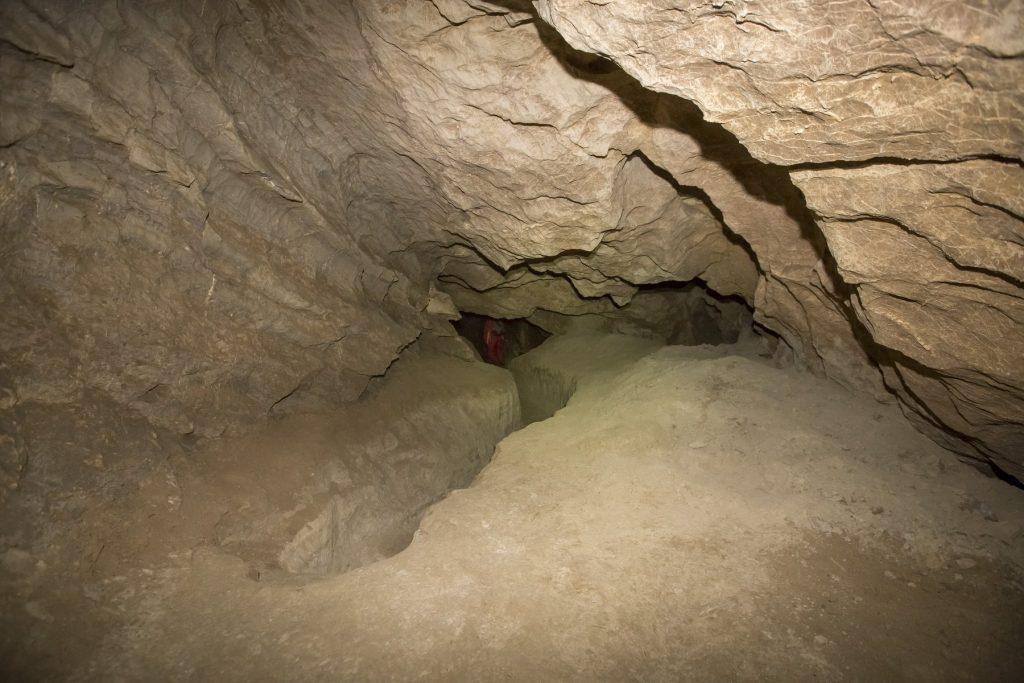 Brestovská jaskyňa občas aj trochu tesná , Orava, fotograf, Branislav Bruder